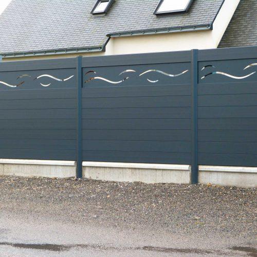 clôture Alu Oasis avec motif tolé vague